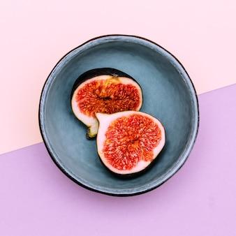 Verse vijgen. rauw fruit vitaminen concept plat lag kunst