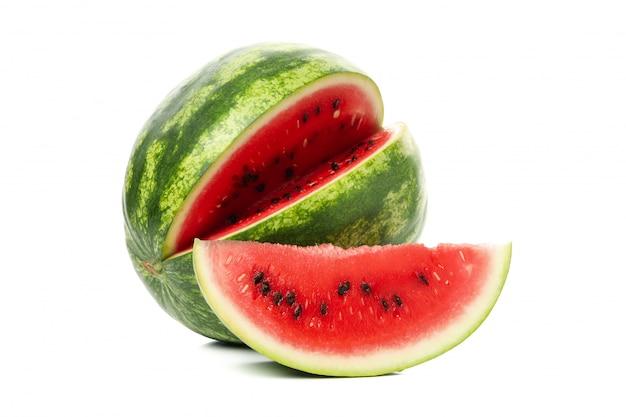 Verse watermeloen geïsoleerd op wit.