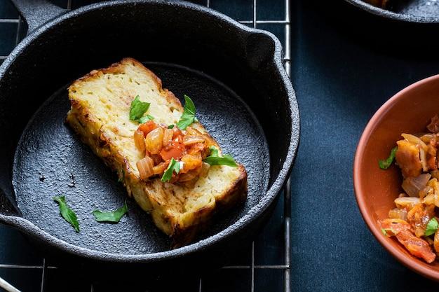 Verse zelfgemaakte aardappel kugel recept