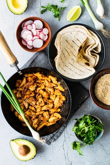 Verse zelfgemaakte kiptaco's recept idee