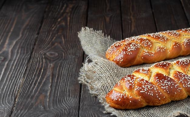 Versgebakken pasen challah brood