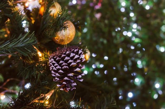 Versier de vintage achtergrond van de kerstboom.