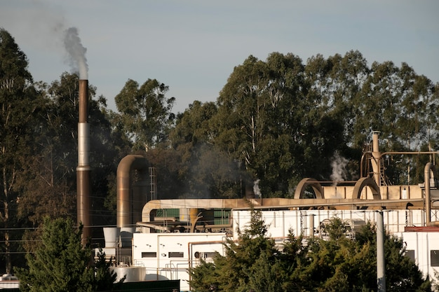 Vervuilingsconcept van fabrieksemissies