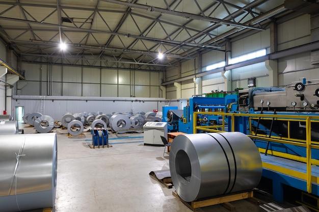 Verwerking van aluminium voor de productie van telefoons en moderne auto-onderdelen