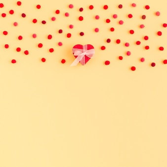 Verzameling van decoratieve hart en confetti
