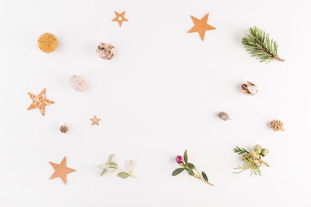 Verzameling van planten en verschillende decoraties