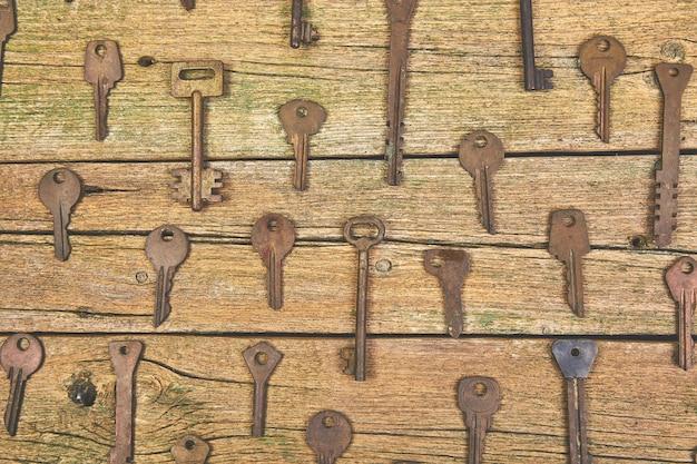 Verzameling van veel verschillende oude retro sleutels