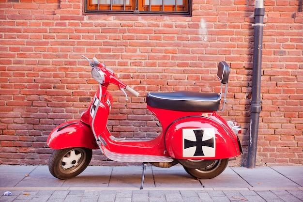 Vespa, italiaanse scooter