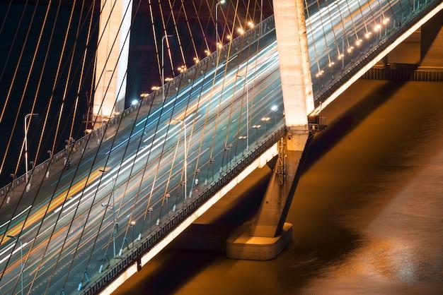 Viaduct van de lichtpaden, prachtige bochten.