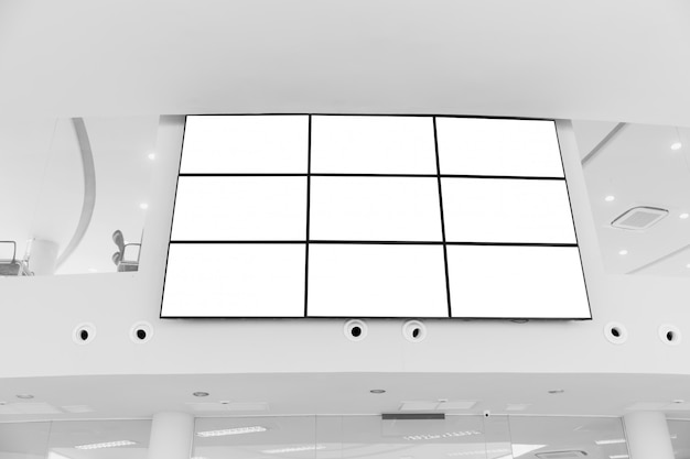 Videomuur led-schermarray billboard setup-installatie indoor kantoor hal