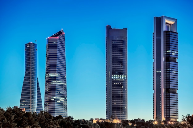 Vier torens zakenwijk in madrid