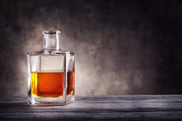 Vierkante karaf cognac