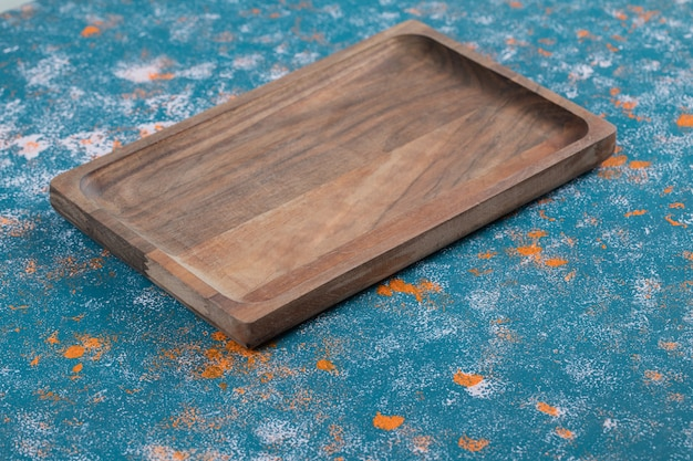 Vierkante snijplank gemaakt van eikenboom
