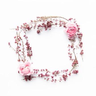 Vierkante vorm veld bloemen en pioenrozen