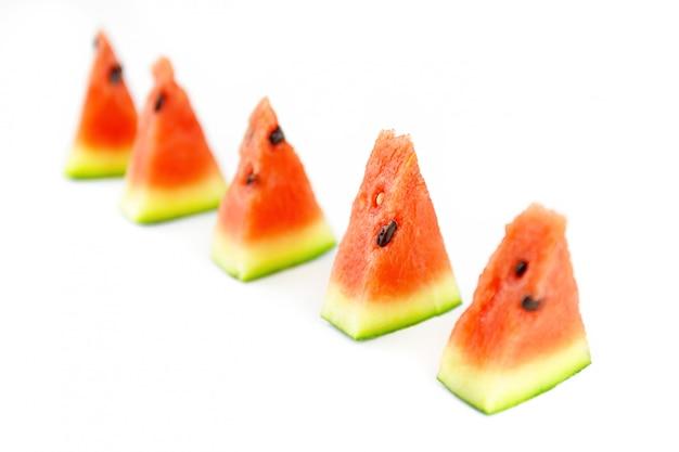 Vijf plakjes van een rode watermeloen