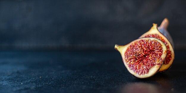 Vijgen fruit rijpe rauwe sappige plakjes portie