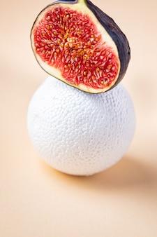 Vijgen fruit verse vijgen snack op tafel kopieer ruimte voedsel achtergrond dieet keto of paleo dieet veggie
