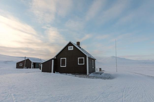 Villa fredheim, de beroemde hut in tempelfjorden, svalbard.