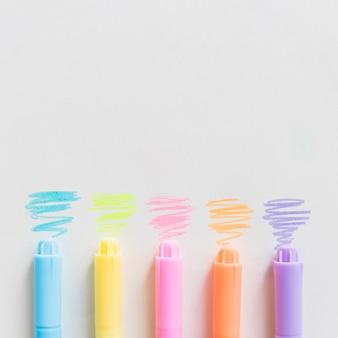 Viltstiften op tafel