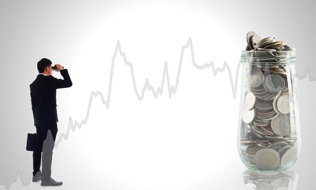Vind geld bedrijfsconcept met vergroten.