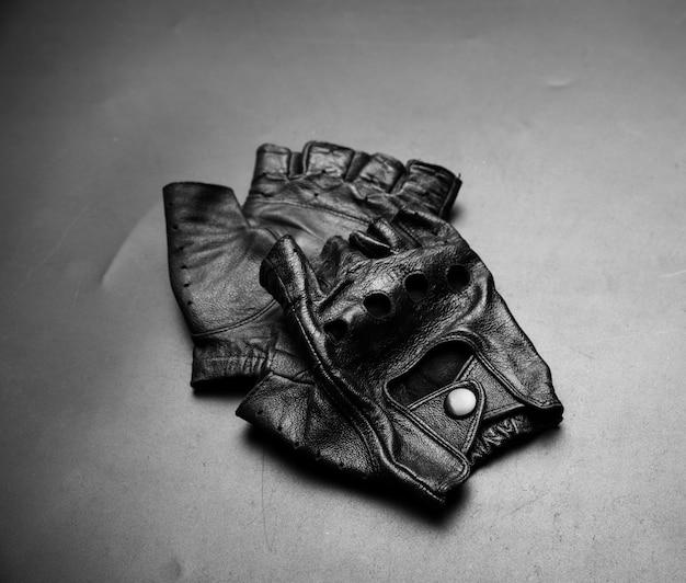 Vingerloze lederen handschoenen