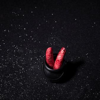 Vingers met bloed