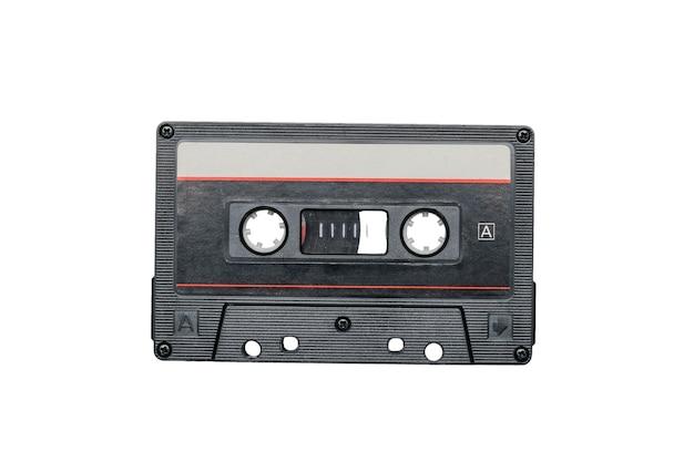 Vintage bandrecorder geïsoleerd op een witte achtergrond. retro drager van audio-informatie.