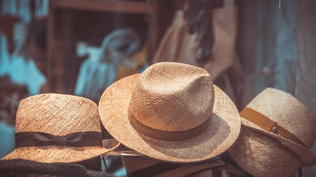 Vintage bruin geweven hoeden