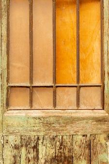 Vintage hout met metalen staven