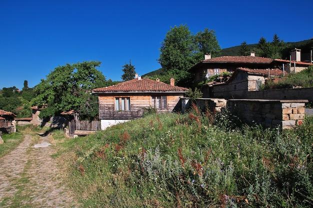 Vintage huis in het dorp zheravna in bulgarije