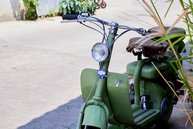Vintage italiaanse scooter van de lambretta