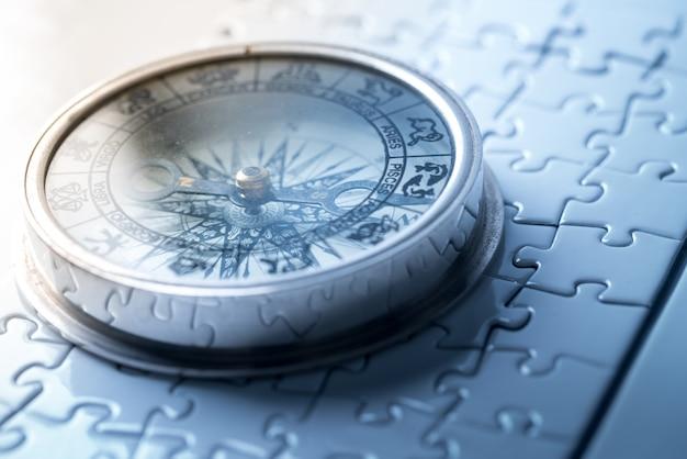 Vintage kompas in het bedrijfsleven - strategie
