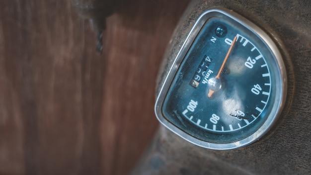 Vintage motorfietsmeter