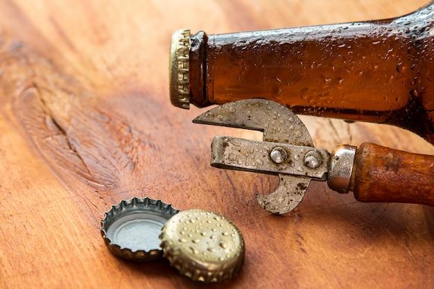 Vintage opener en bier