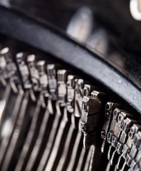 Vintage schrijfmachine mechanisme close-up