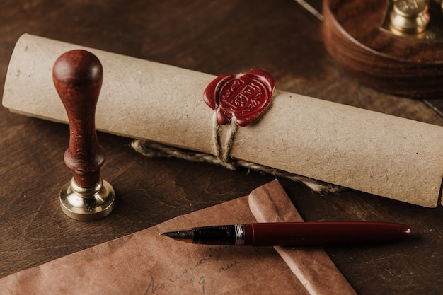 Vintage stempel, envelop en testament. notaris tools