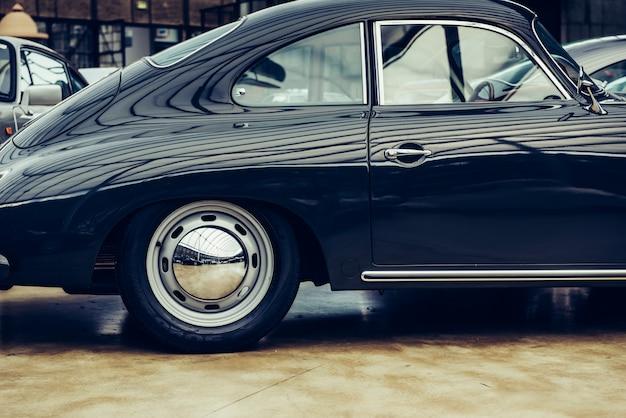 Vintage transport retro auto.