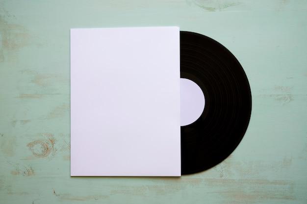 Vinyl mockup met papieren omslag
