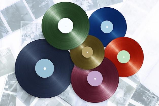 Vinyl op kleurenachtergrond