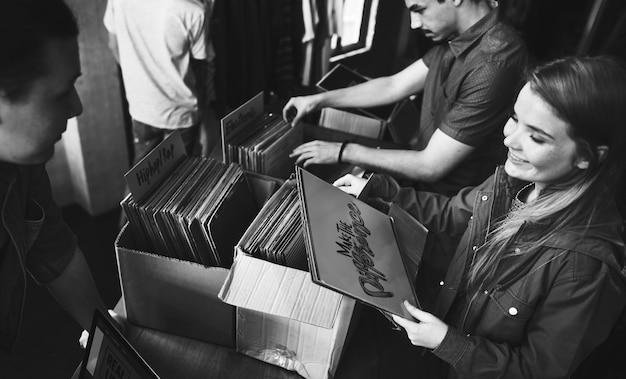 Vinyl platenwinkel muziek winkelen oldschool classic concept