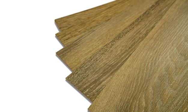 Vinyltegels stapelen voor het interieur van het huis voor huisrenovatie. nieuwe houten patroon vinyltegel.