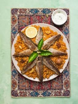 Vis biryani. saoedi-arabische vis kabsa.