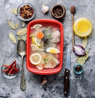 Vis en groenten aspic