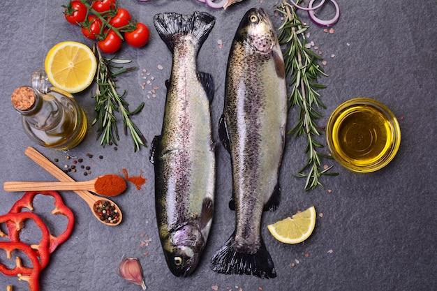 Visforel met kruiden en citroen