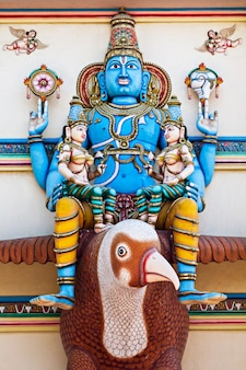 Vishnu op garuda