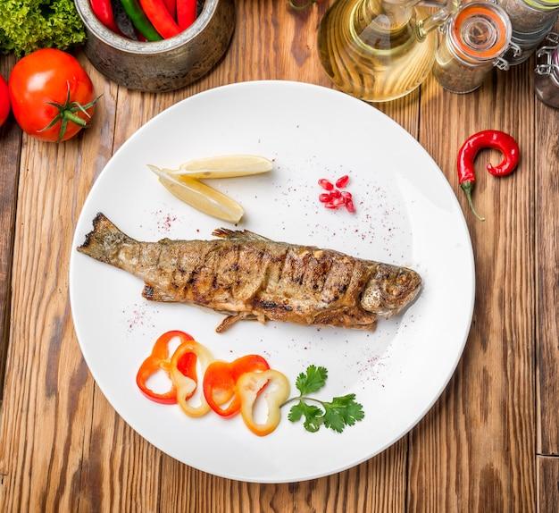 Visschotel - gebraden filet met groenten