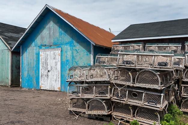 Visserijloodsen in haven, kensington, prince edward island, canada