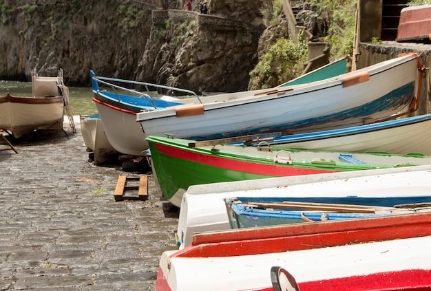 Vissersboten in zuid-italië