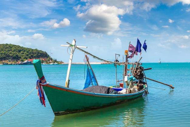 Vissersboten op het eiland van koh samui, thailand