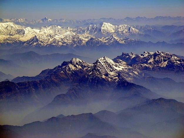 Vista bergen landschap wolken himalayas hemel
